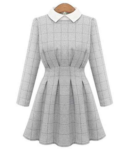 Short Gray Dress – Long Sleeves / White Collar / Tiny Pleats