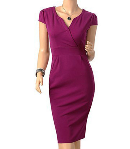 Fitted Three Quarter Length Dress – Maroon / T Shirt Sleeves
